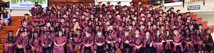 polk-grad-class-photo
